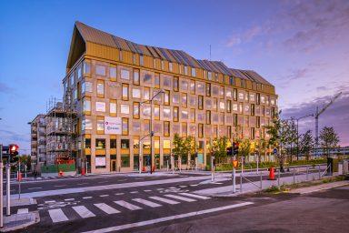 Kontorshuset Aura sett från sidan
